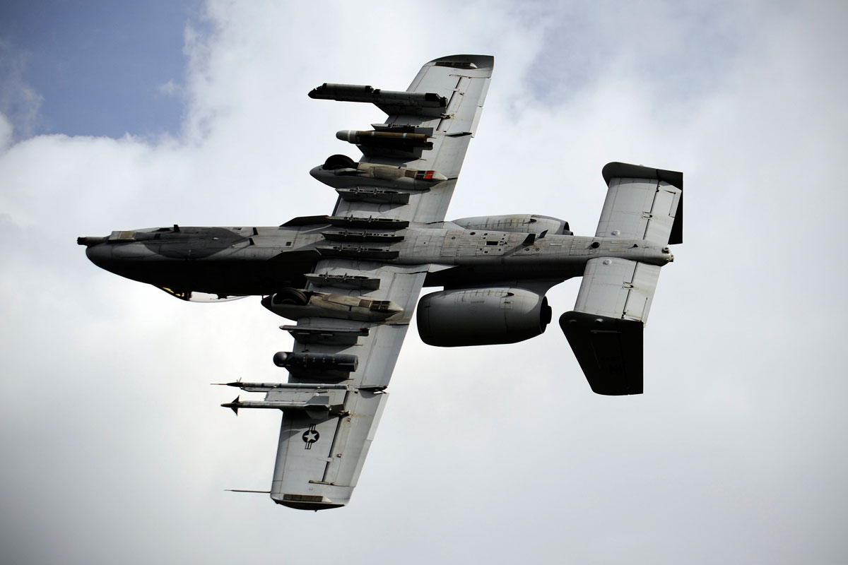 a-10-thunderbolt-ii_001