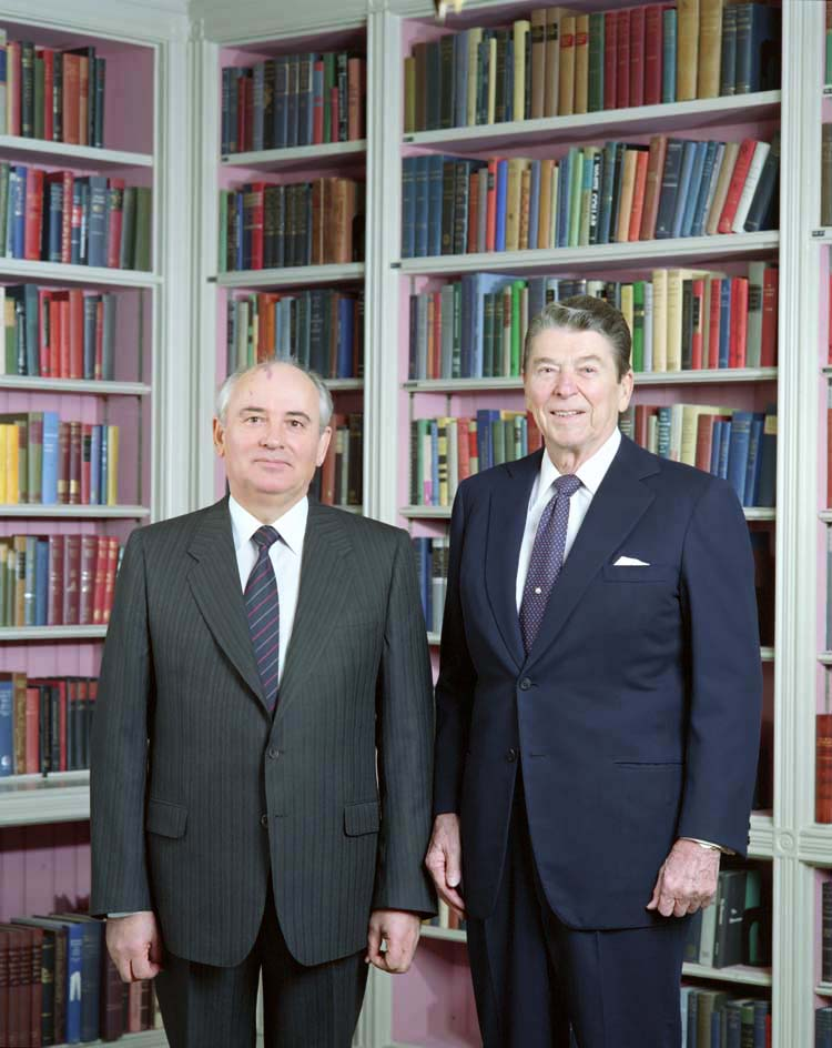 Reagan_Gorbachev_White_House_Library